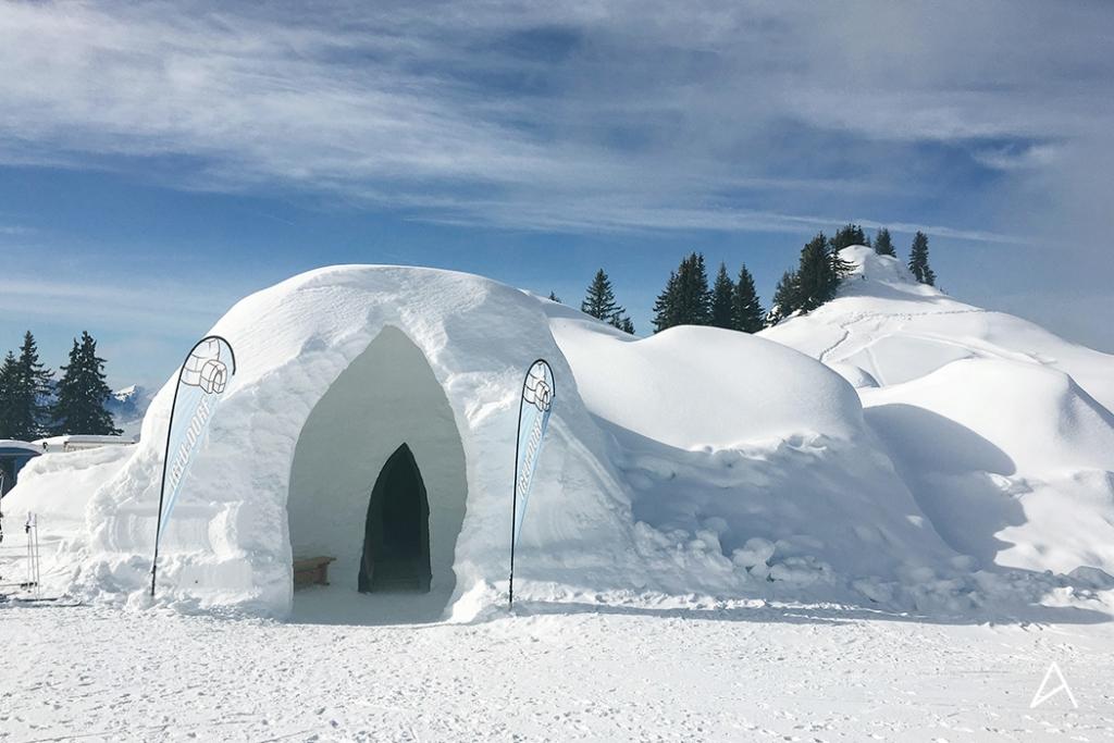 Manger une fondue dans un igloo awwway - Qu est ce qu un igloo ...