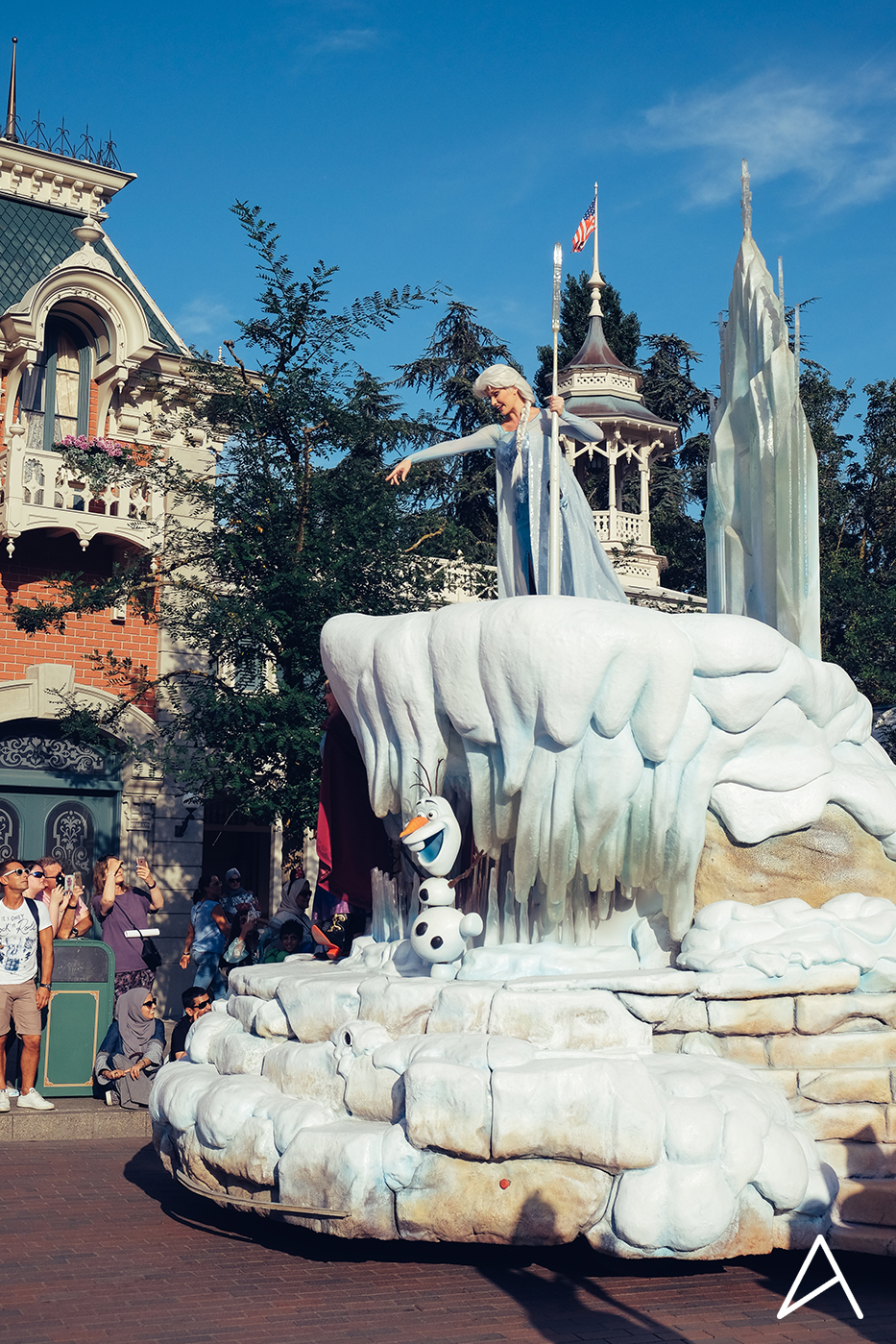 Disneyland_Paris_vertical_3