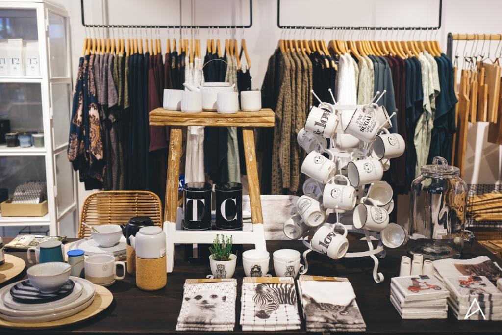 Lausanne_Shopping_Decoration_Caramel_Beurre_Sale_4