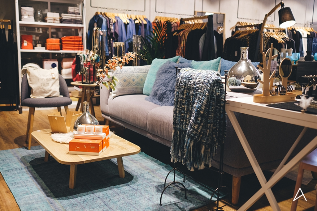 Lausanne_Shopping_Decoration_Caramel_Beurre_Sale_6
