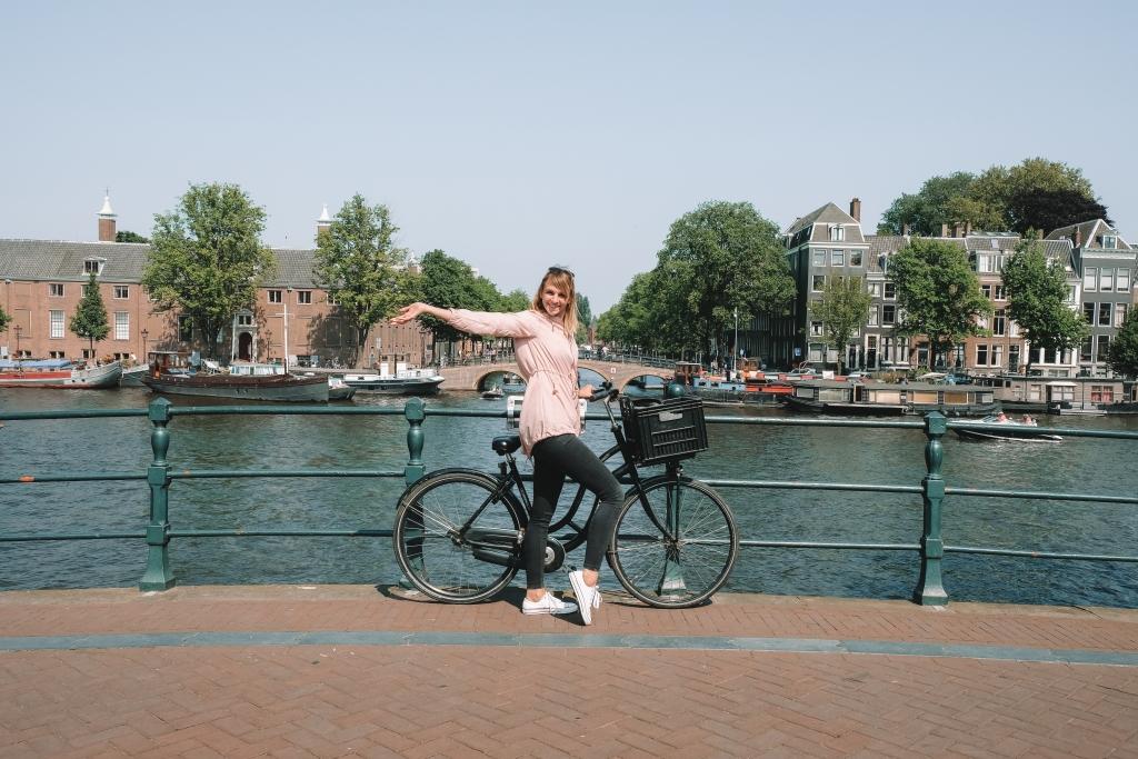 le meilleur moyen de découvrir Amsterdam est de se balader à vélo
