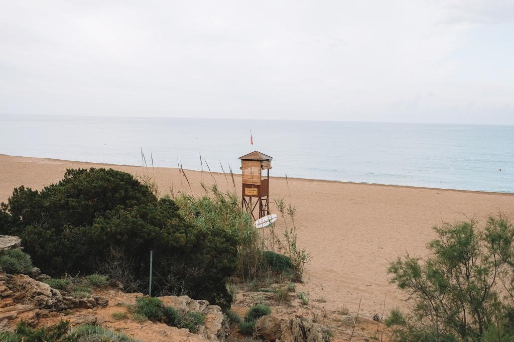 Vue sur la plage de Costa Navarino