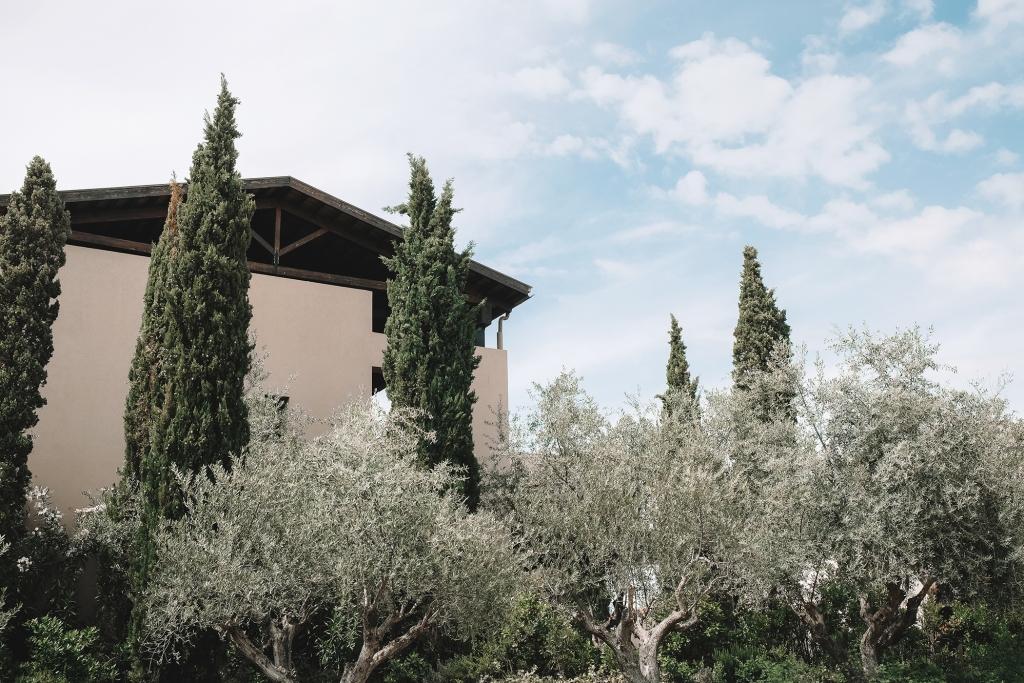 La nature est présente partout à Costa Navarino.